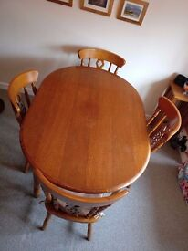 Excellent Solid wood dining table - No Chairs
