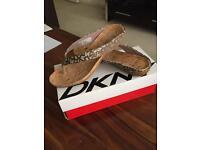 DKNY flip flops NEW!
