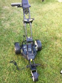 Motocaddy M1 Pro golf trolley