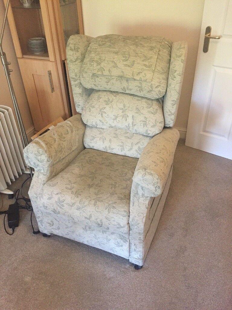 Green riser recliner chair
