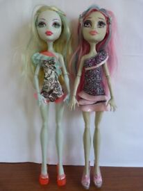 Lagoona and Rochelle Monster High Doll Bundle