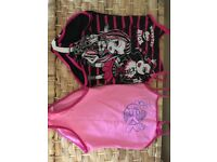 2x swimming costumes