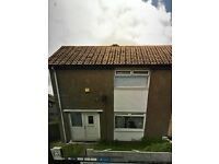 2 bedroom spacious end terrace house to let
