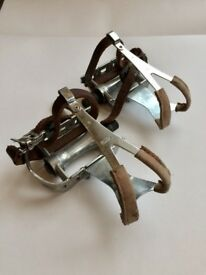 Leather Clip and Strap Road Pedals