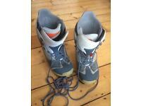Burton snowboard boots 10