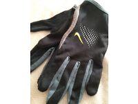 Men's Nike running gloves
