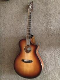 Breedlove Discovery Concert CE Electro Acoustic with Hardcase