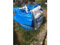 Free bag of thin building sand