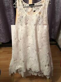 White lace design dress sleeveless size Xl