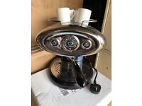Francis Francis X7.1 IperEspresso illy Coffee Machine + 4x cups