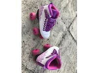 Girls size 2 roller skates, hardly used. Llangollen