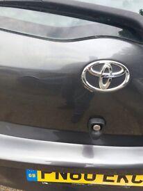 Automatic Toyota Yaris 2010 (60 plate ).