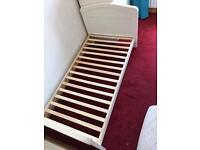 Baby Weaver Cot Bed
