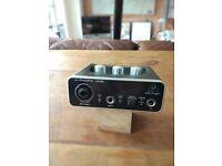 USB Audio Interface - BEHRINGER U-PHORIA UM2