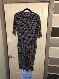 Onjenu dress size 18