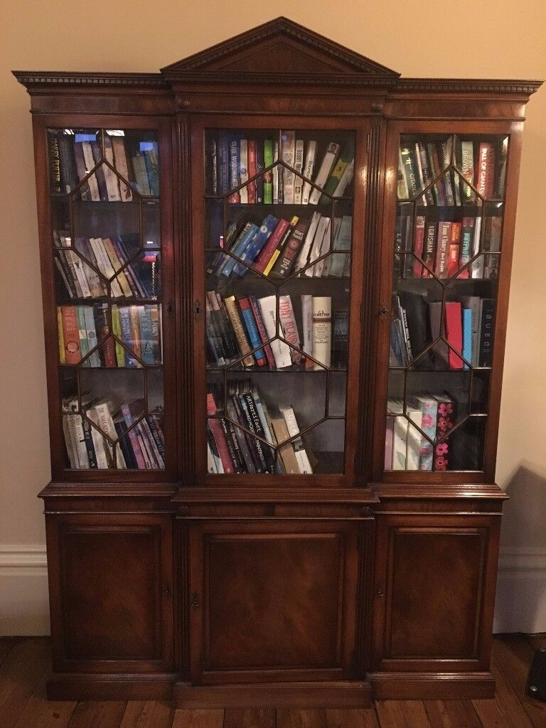 Beautiful, mahogony, victorian reproduction bookcase for only £200 ONO