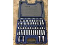 Blue point 77pc 3/8dr. General service set Brand new excellent condition no offers. Collect only.