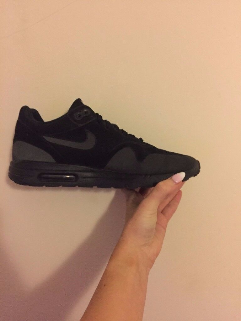 Nike Air Max Ultra black - Size 5.5