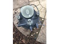 Laguna25000 filter box & pump