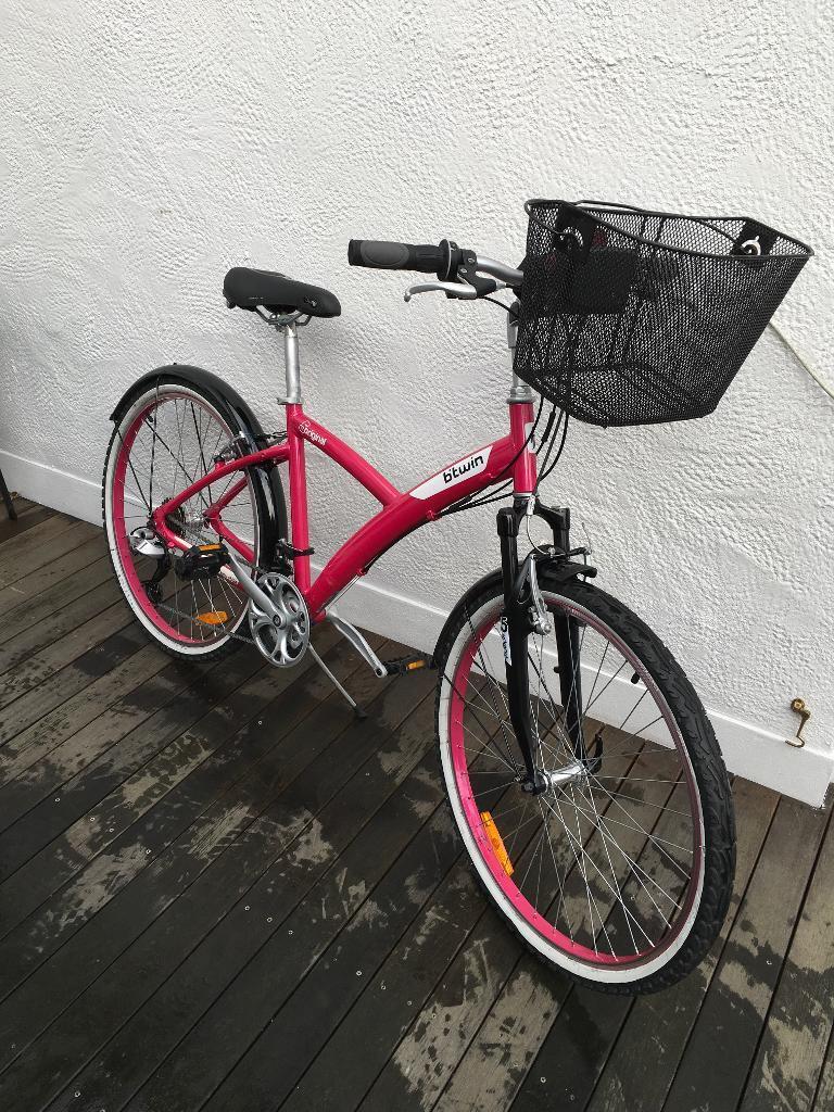 B Twin 5 Original Ladies Bike In Bromley London Gumtree