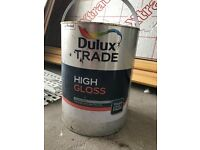 Dulux white paint for wood and metal