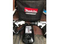 Makita Drill and Impact Driver set 10.8v And case