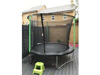 8ft trampoline & enclosure