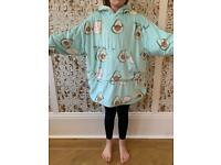 Fleece lined poncho / oodie