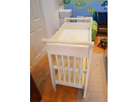 Mammas & Pappa's Changing Table/Ivory