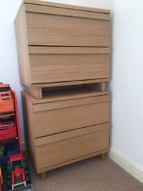 **2 Bedside tables for sale**