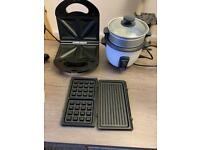Toastie maker and rice cooker/steamer