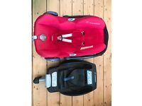 Maxi Cosi Easyfix base and Cabriofix car seat