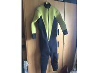 Men's medium size wetsuit 7mm one piece suit, Diving snorkelling etc