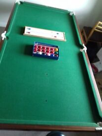 Pool Table 6Ft x 3 Ft with metal legs