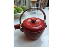 TEAPOT - CAST IRON RED - NOMAR LA THEIERE