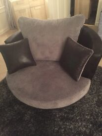 Mint condition cuddle chair
