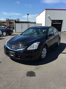 2011 Nissan Altima Rearview Camera, Leather, Sunroof