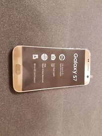 SAMSUNG GALAXY S7 32GB SIMFREE IN GOLD COMES WITH CHARGER AND THREE MONTHS WARRANTY