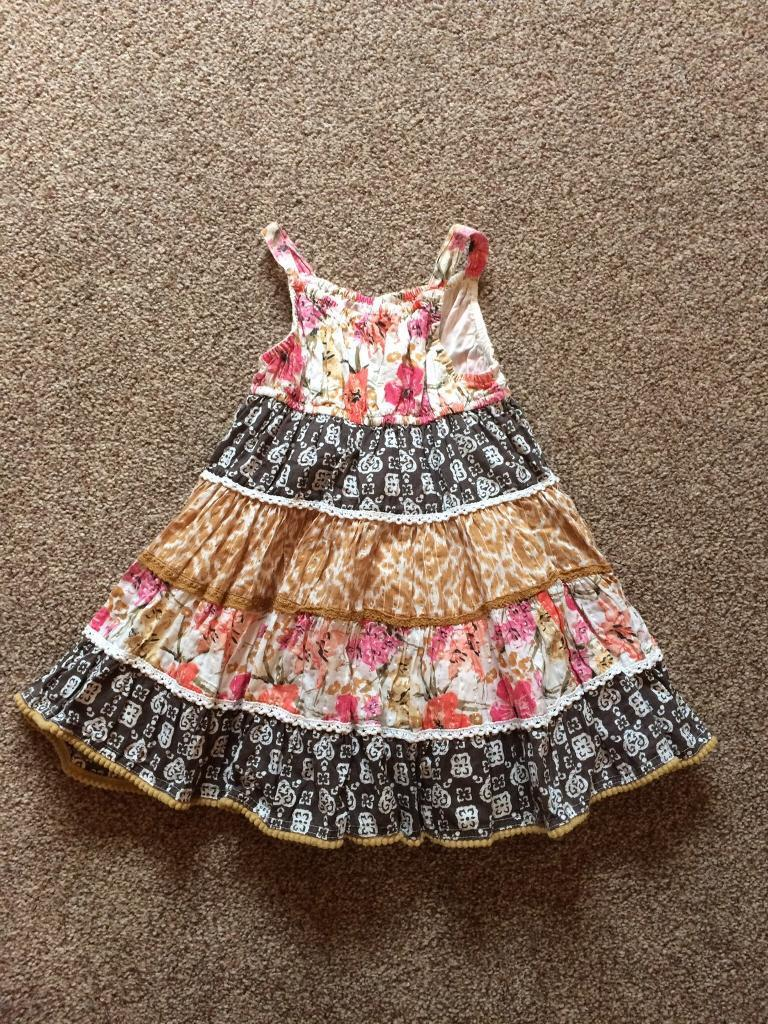 Summer dress age 9 12 monthsin Liversedge, West YorkshireGumtree - Gorgeous summer dress with attached cotton underskirt from Matalan age 9 12 months in perfect condition