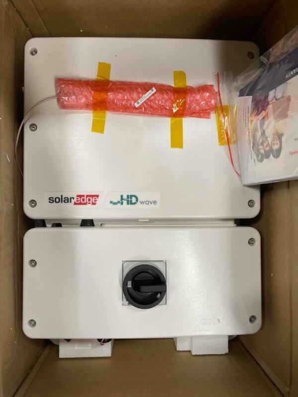 NEW SolarEdge Single Phase Inverter With HD-Wave Technology SE3000H-US000BSU4