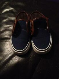 Size 7 toddler vans