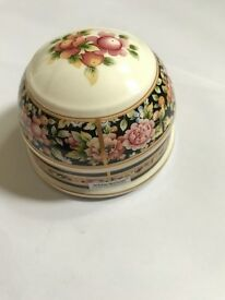 Wedgwood paper weight