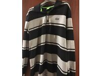 Long sleeve mens hugo boss smart casual top only worn once. Regular fit is the size