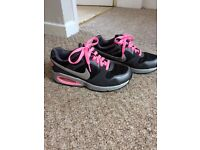 4 pairs of girls/ladies Nike trainers