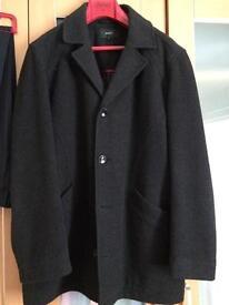 Men's winter Coat size, Large