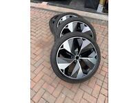 "Jaguar I-pace 4 x 22"" alloys with 5mm tyres carbon trim with PPF"