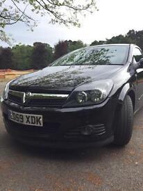 Vauxhall Astra 1.8 Auto sporthatch. 2009.