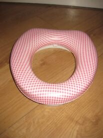 PINK PADDED TODDLER TOILET SEAT - NOW ONLY £2 - IMMACULATE CONDITION - buy with pink potty for £3!