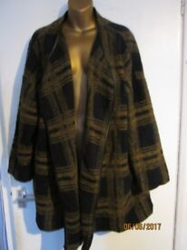 VERY NICE BROWN AND NAVY LARGE CHECK PATTERN JACKET SIZE 14 BY ASOS