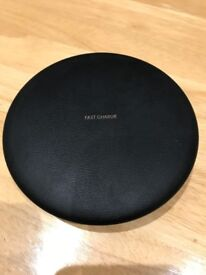 Samsung Wireless Charger Stand EP-PG950